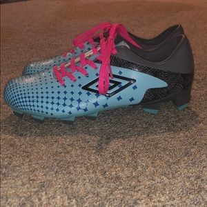 Umbro Shoes - Brand new Umbro blue & pink cleats